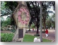 PRIMEIRO MONUMENTO
