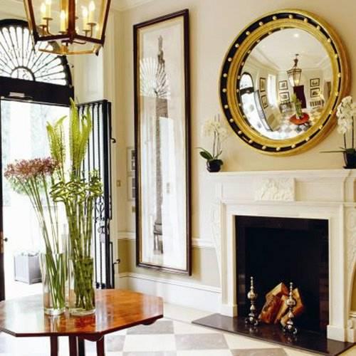 colocando espejos dentro de vitrinas y expositores se realza el valor de los objetos que stas contienen atraen la atencin e incrementan el relieve y la