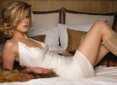 Rosamund Pike hot girl