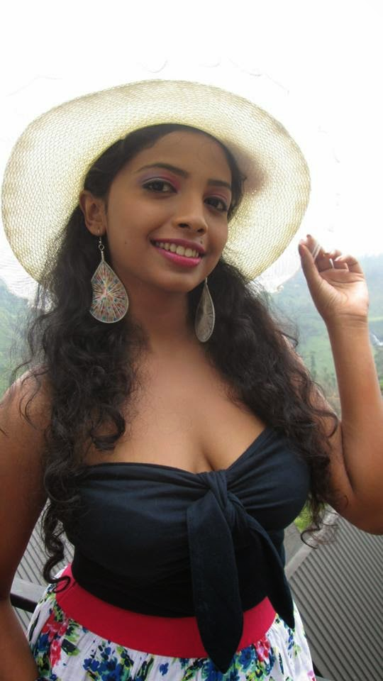 Lakshika Jayawardhana sri lankan actress