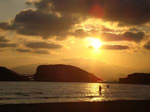 magica puesta de sol en mi tierra.