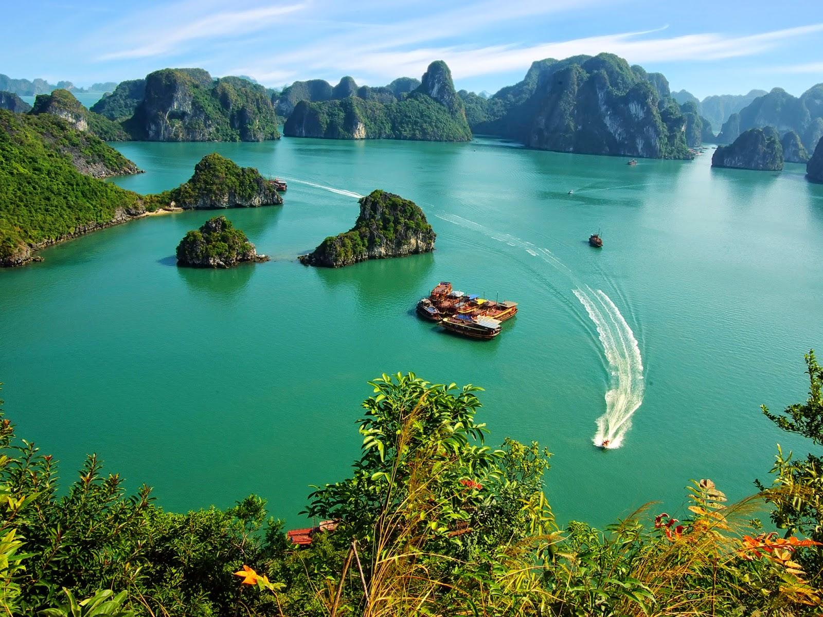 thuê xe đi vịnh Hạ Long