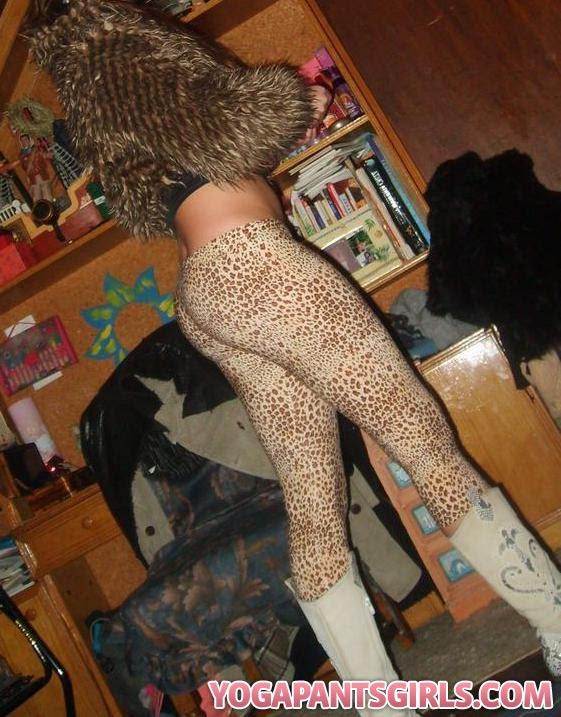 twitter girls in yoga pants. Girl in Cheetah Yoga Pants