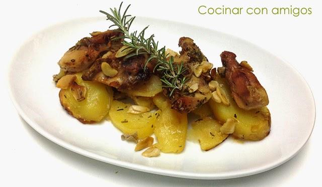 http://cocinarconamigos.blogspot.com.es/2014/04/conejo-asado-con-patatas-y-ajo.html