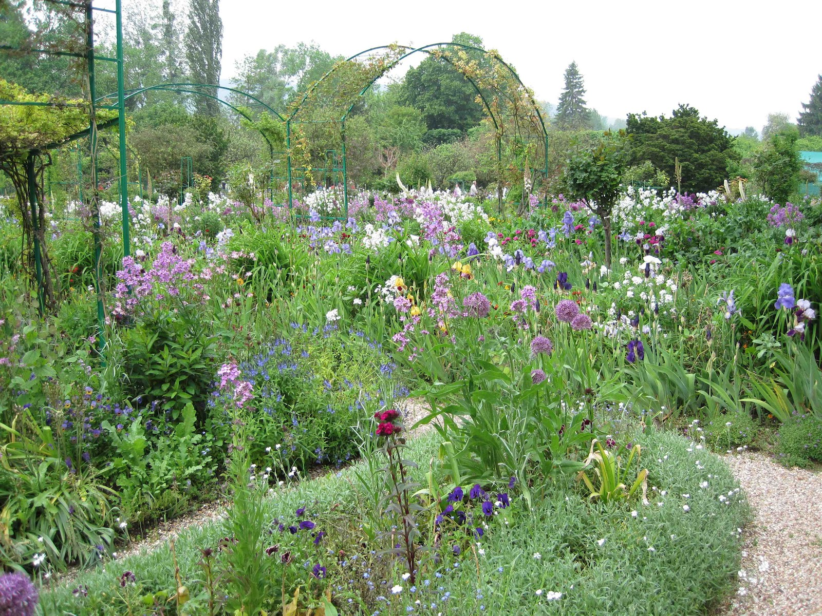 Jax trax monet 39 s garden for Landscape gardeners