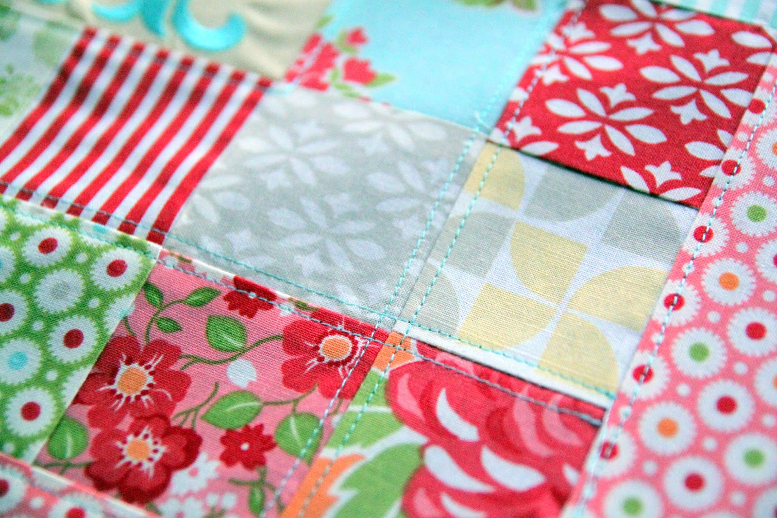 Patchwork Pillow Pattern and Tutorial - The Cottage Mama : quilted pillow patterns - Adamdwight.com