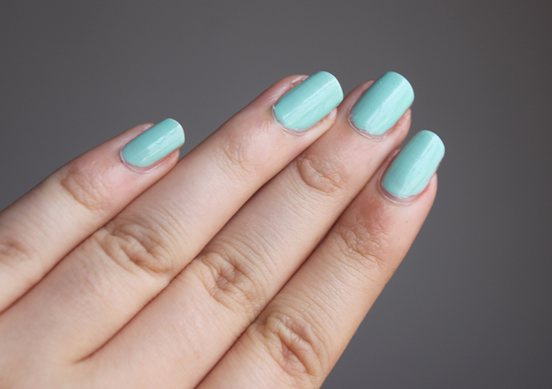 L\'oreal Perle De Jade- Currently on my Nails - A Little Obsessed