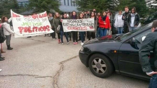 Foto de la concentración contra el cierre