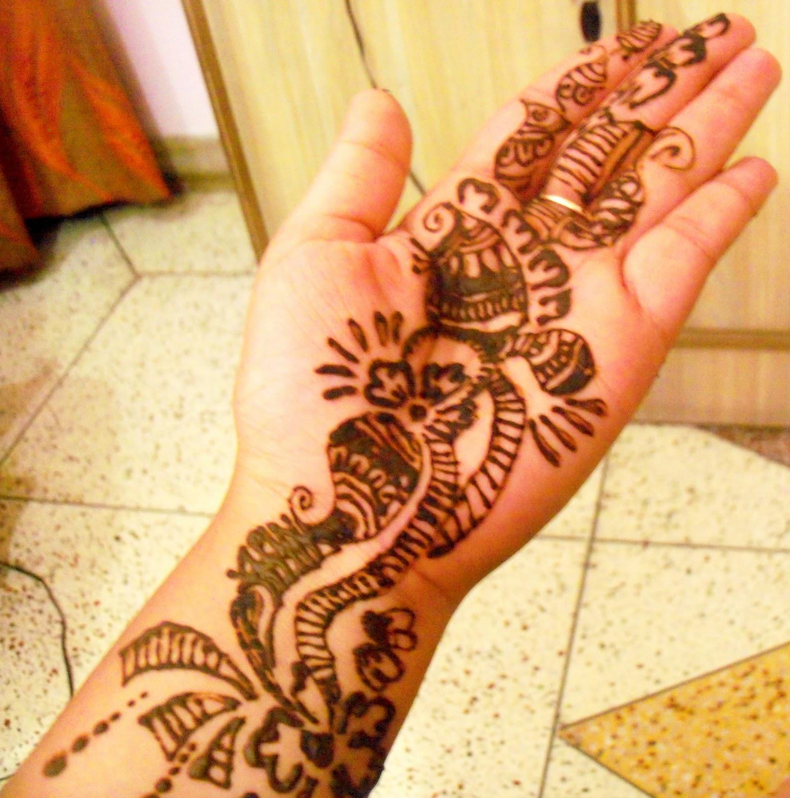 Front Hand Mehndi: Hand Mehndi Design