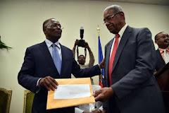 Remise du rapport de la Commission de vérification au président provisoire