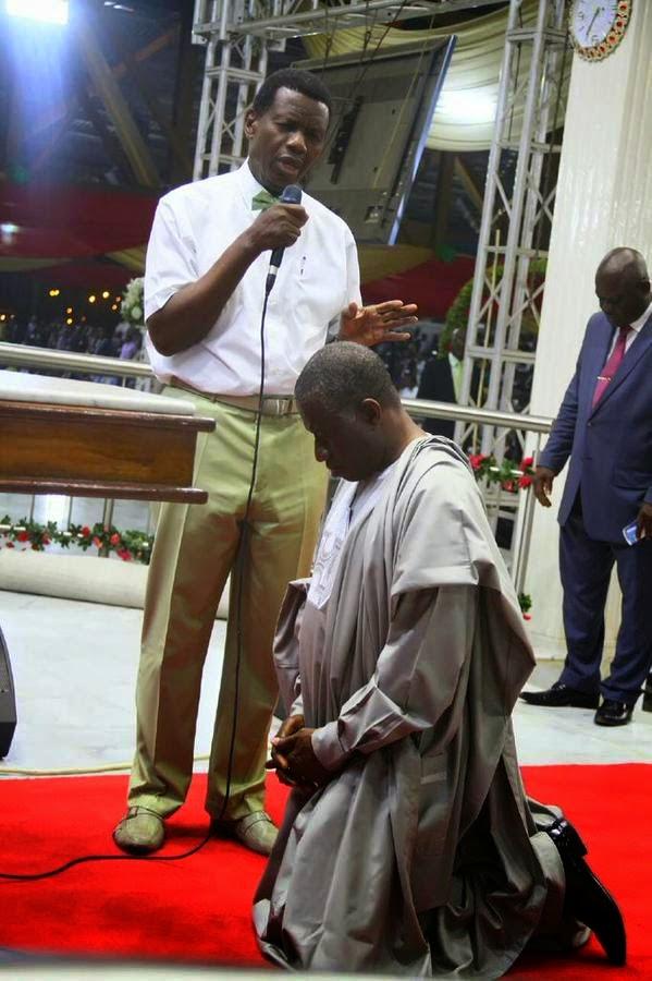Pastor Adeboye prays for President Jonathan at RCCG camp