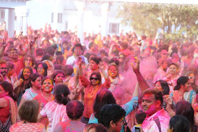 Devotee of Radha Madhav celebrated Holi 2013 with great delight