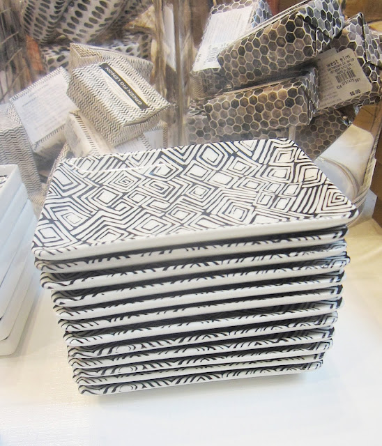 Black and white graphic printed Hammam ceramic soap dishes