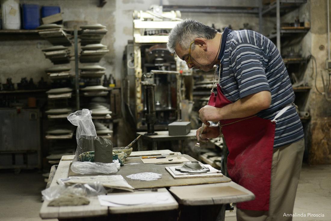 Artigianato fai da te made in italy vetro ceramica e for Arredamento laboratorio odontotecnico