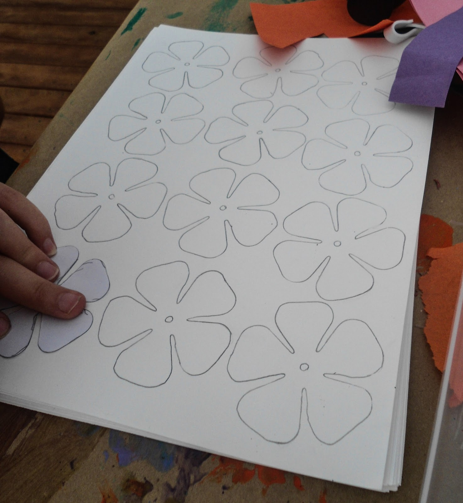 What katie did next craft of the day hawaii flower necklace step three draw different shapes of flowers izmirmasajfo