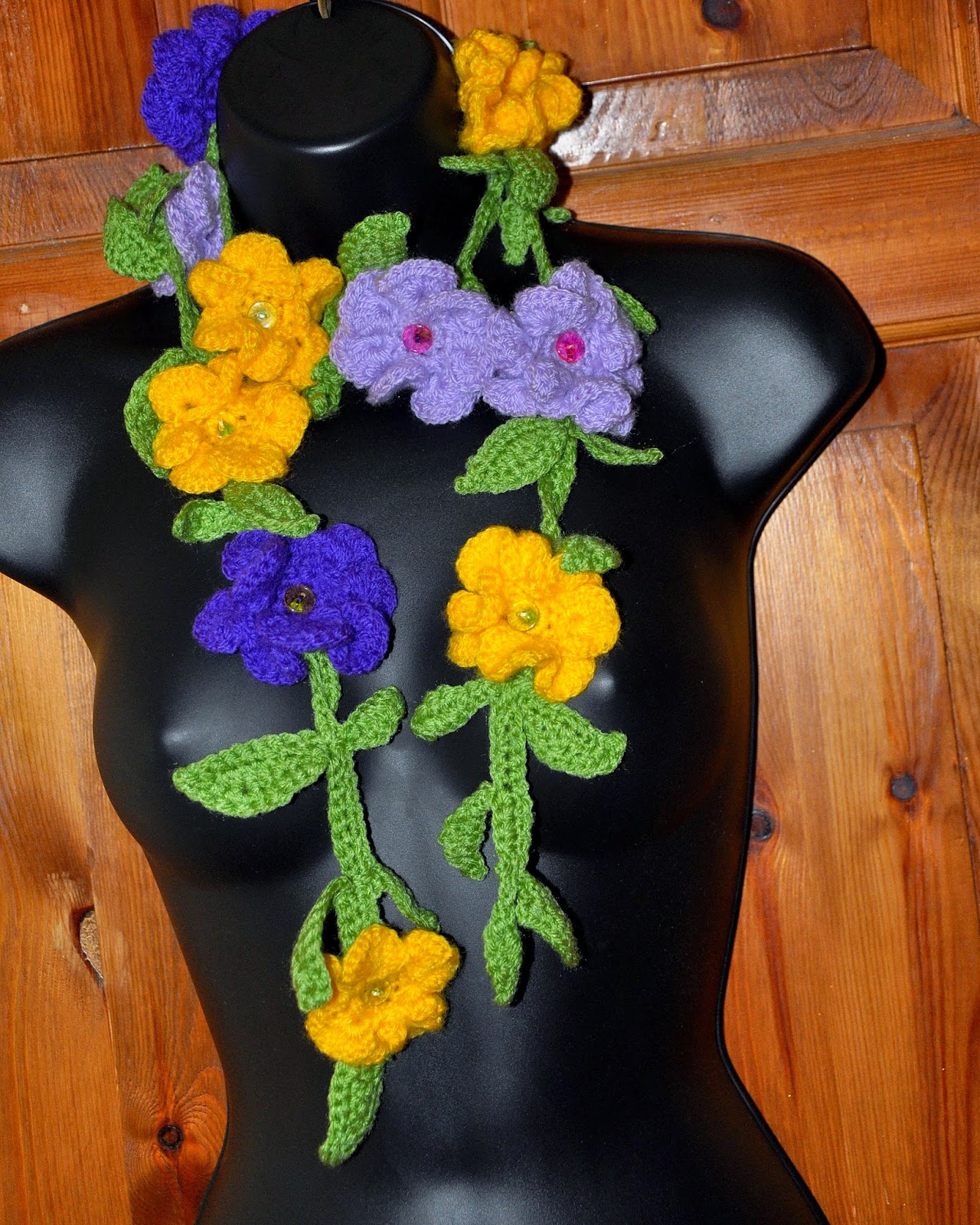 flower garland scarf crochet