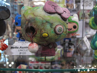 hello kitty,zombie,hello kitty zombie,comic con 2013,october 11th 2013,saturday,sunday,comic con sunday,comic con saturday,new york,nyc,manhattan,jacob javits center,newyork,figurine,collectibles,sculpture,art,