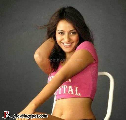 Indian fashion: Indian Singer Richa Sharma