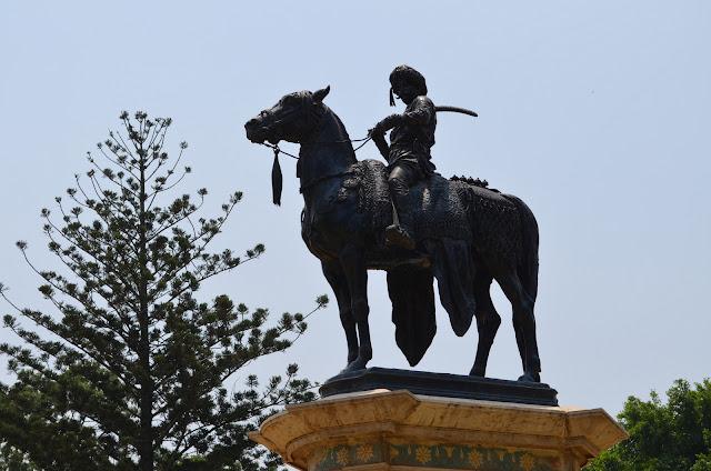 Statue of Jayachamarajendra Wodeyar, Lal Bagh, Bangalore