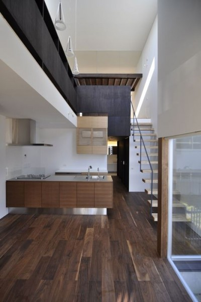 Ilia estudio interiorismo vivienda en jap n e house for E house