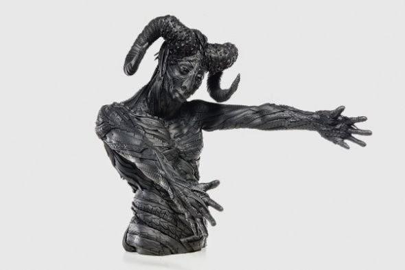 Yong Ho Ji esculturas animais humanos mutantes feitos de pneus reciclados negros