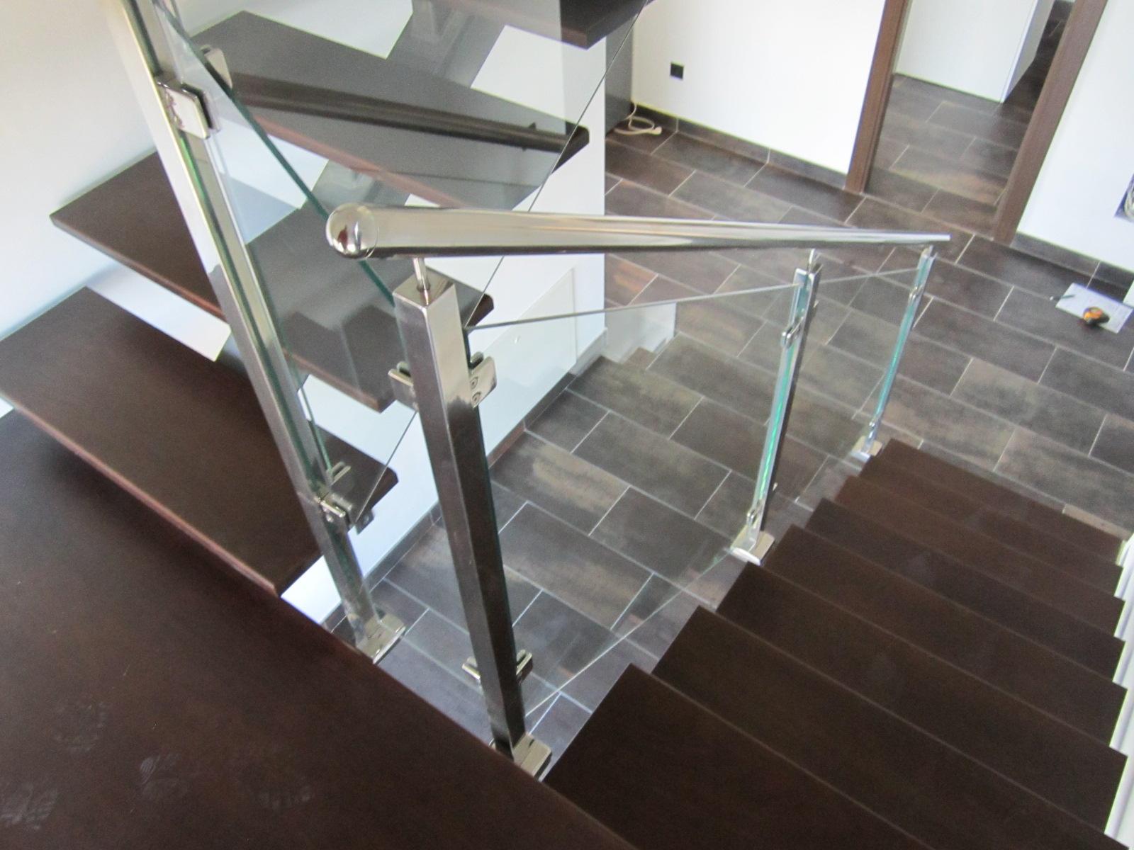 Norbel carpinteria met lica y acero inoxidable escalera - Peldanos escalera madera ...