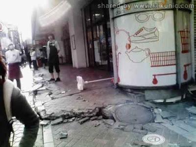 Foto - Foto Waktu Terjadinya Gempa Dan Tsunami Di Jepang (Baru Update) by www.alexa-com.co.cc