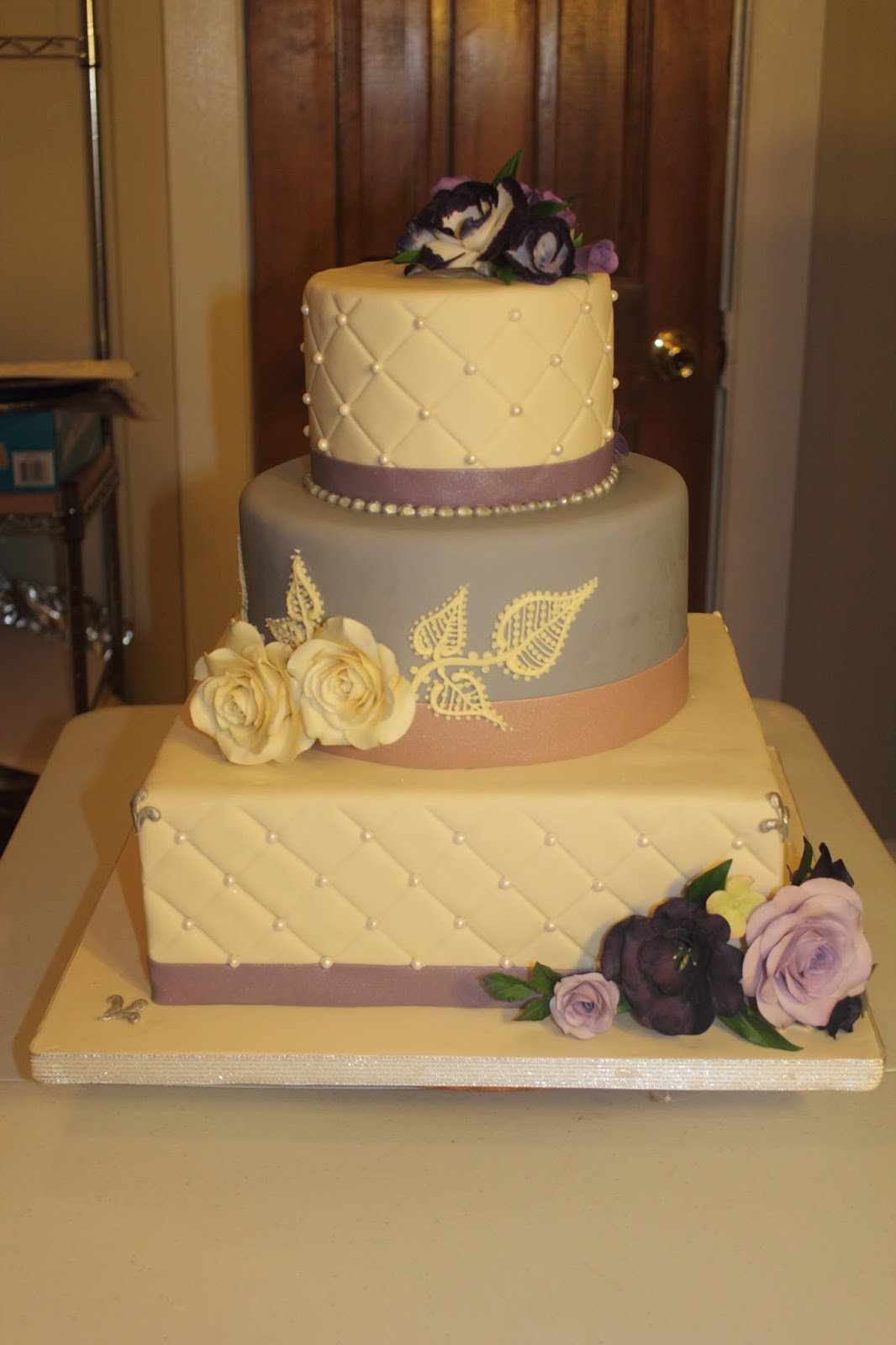 The Cake Engineer: Lindsey\'s Wedding Cake!