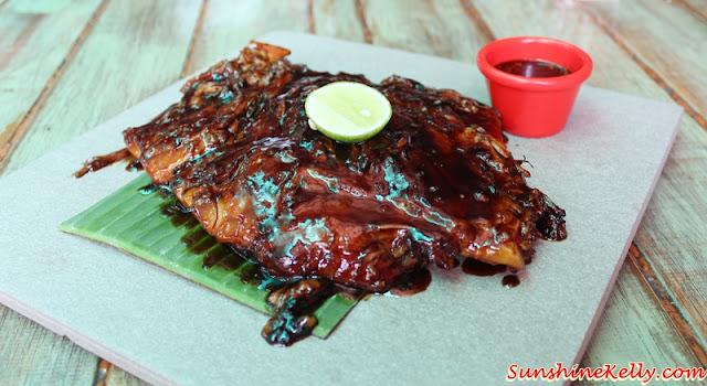 Naughty Nuri's Desa Sri Hartamas, Naughty Nuri's, Desa Sri Hartamas, Naughty Nuri's 1995, Signature BBQ Spare Ribs, pork, non halal, best bbq pork ribs in town, satay lilit, indonesia mee goreng, asam boi mojito