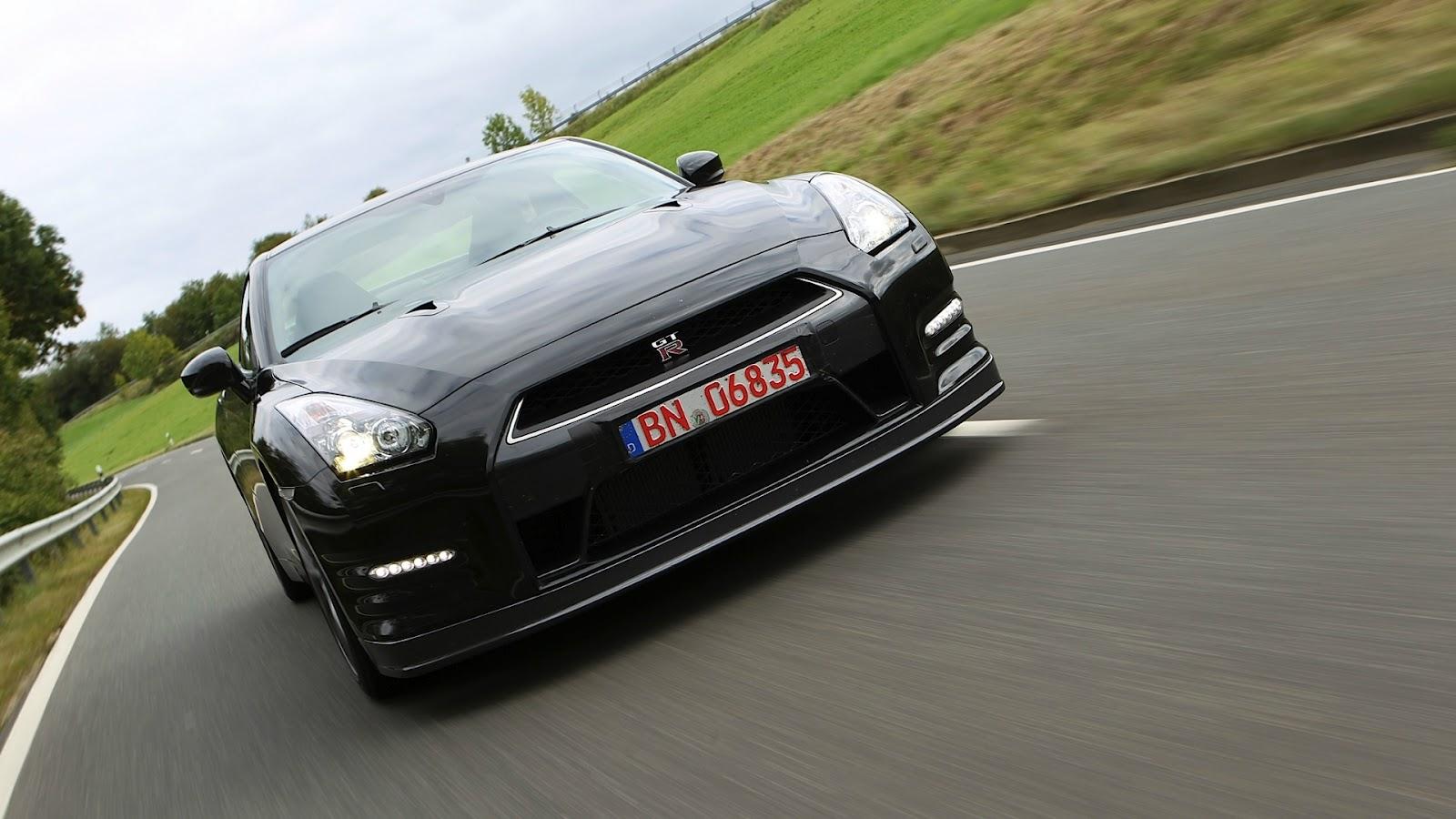 http://2.bp.blogspot.com/-oZQZL6EkXUE/T_h6GTVrjRI/AAAAAAAAERc/-yhyhUKj2LM/s1600/Nissan+GTR+Hd+Wallpapers+2013_7.jpg