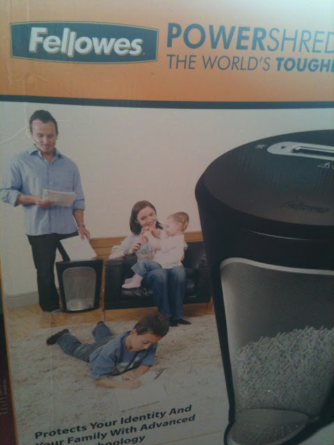 Picture on Box of Fellowes Shredder