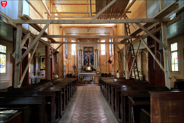 Внутри костела ремонт