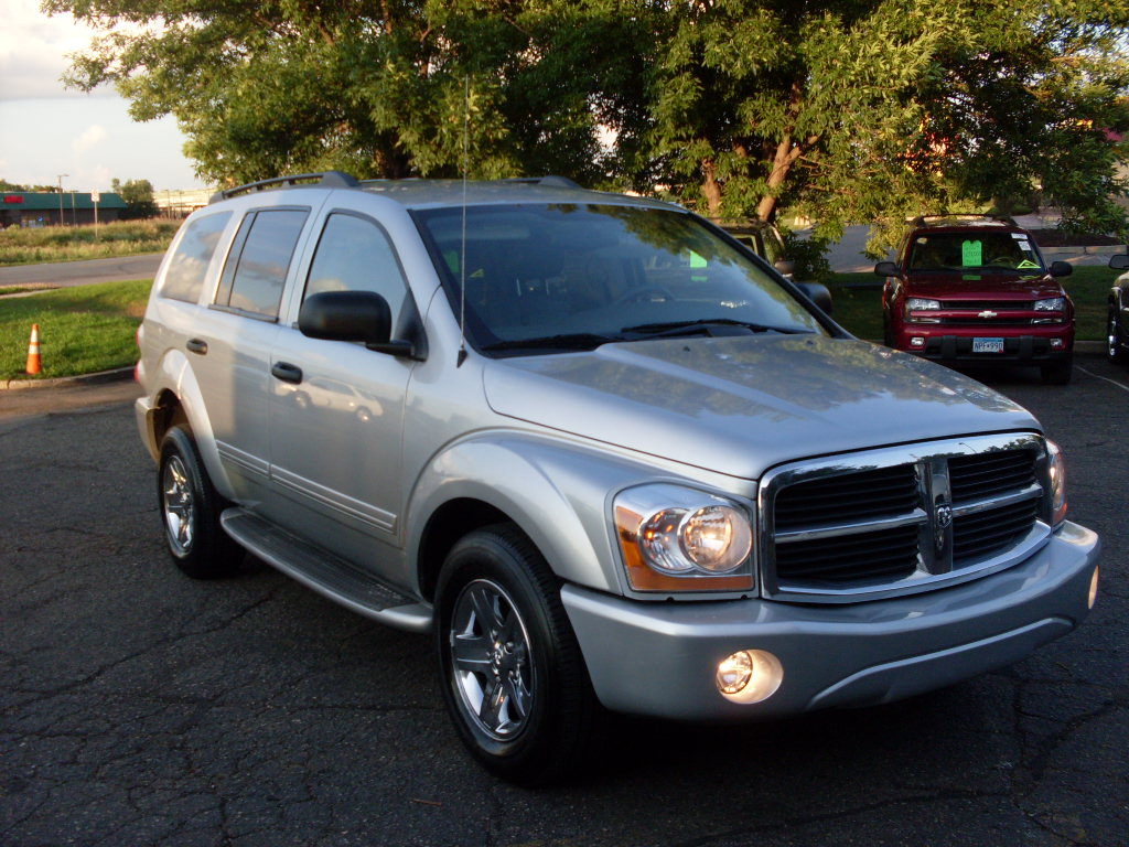 Ride Auto: 2004 Dodge Durango Silver