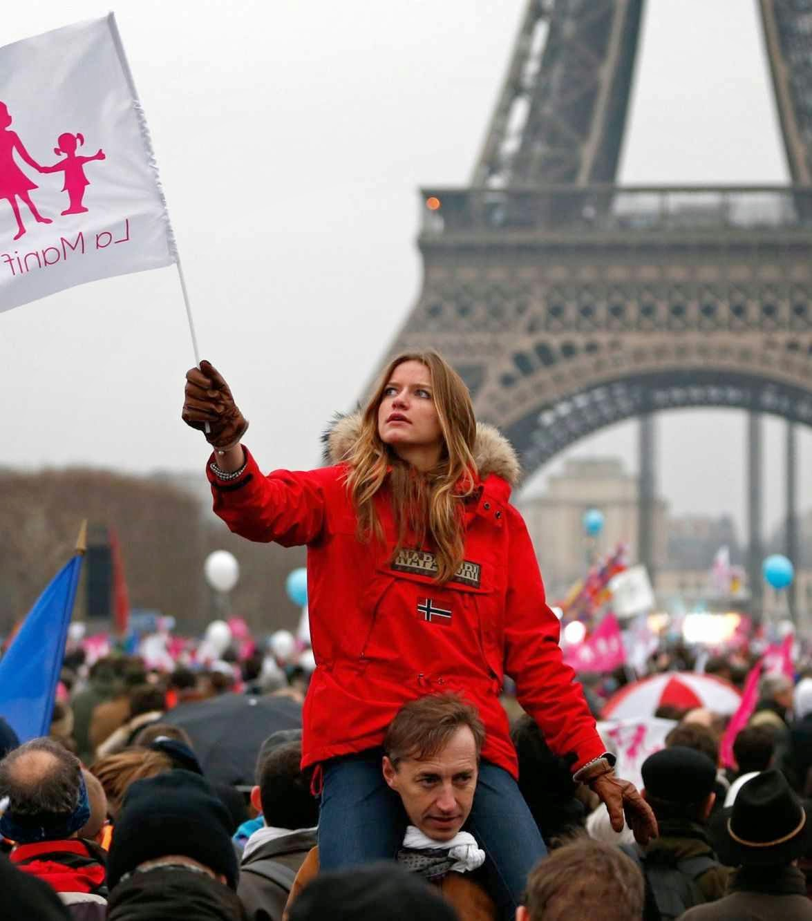 Em Paris, juventude contra o 'casamento' homossexual