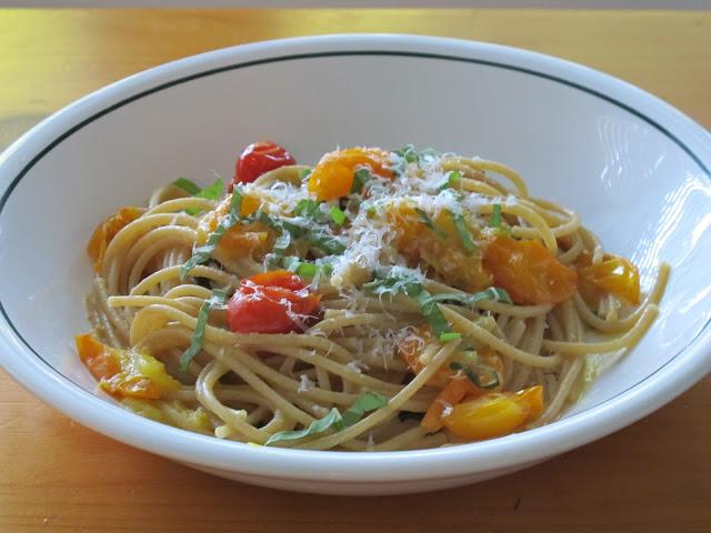 Spaghetti with Chunky Cherry Tomato Sauce