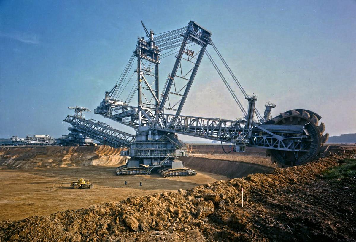 Bagger 288 باجر 288 أكبر ماكنة حفر في العالم