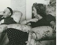 Hitler Tidak Pernah Membuka Baju Saat Bercinta dengan Istrinya?