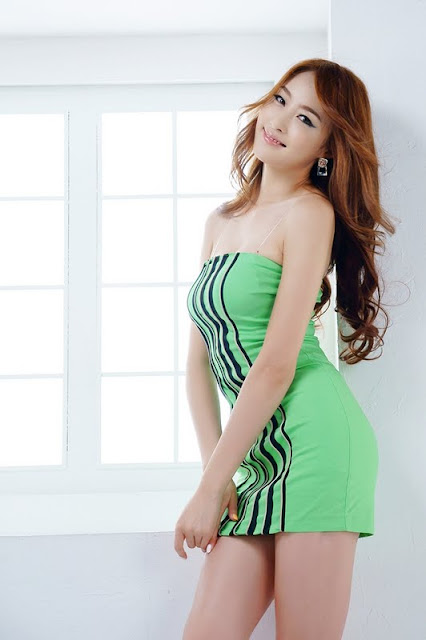Eun Bin Yang Lovely In Green Mini Dress