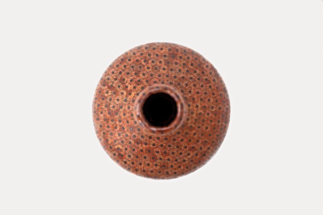 10-Tuomas-Markunpoika-Styudio-Markunpoika-Pencil-Vases-www-designstack-co