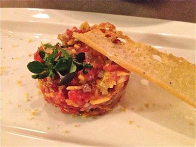Tartar de Atún Rojo con Mango y Crujiente de Almendras Rest. Seis Ocho. Blog Esteban Capdevila