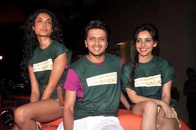 Riteish, Sarah and Neha at cinema promotion