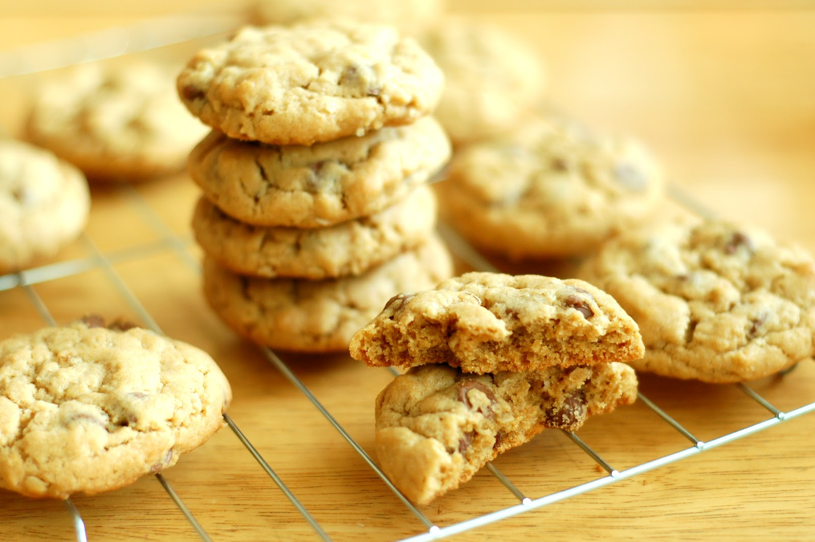 Peanut Butter Chocolate Chip Oatmeal Cookies - A Kitchen Addiction