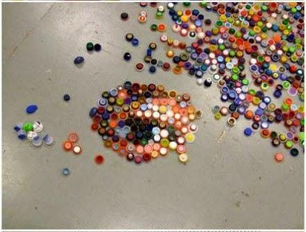 Wajah di Antara Tutup Botol Plastik Bekas 4