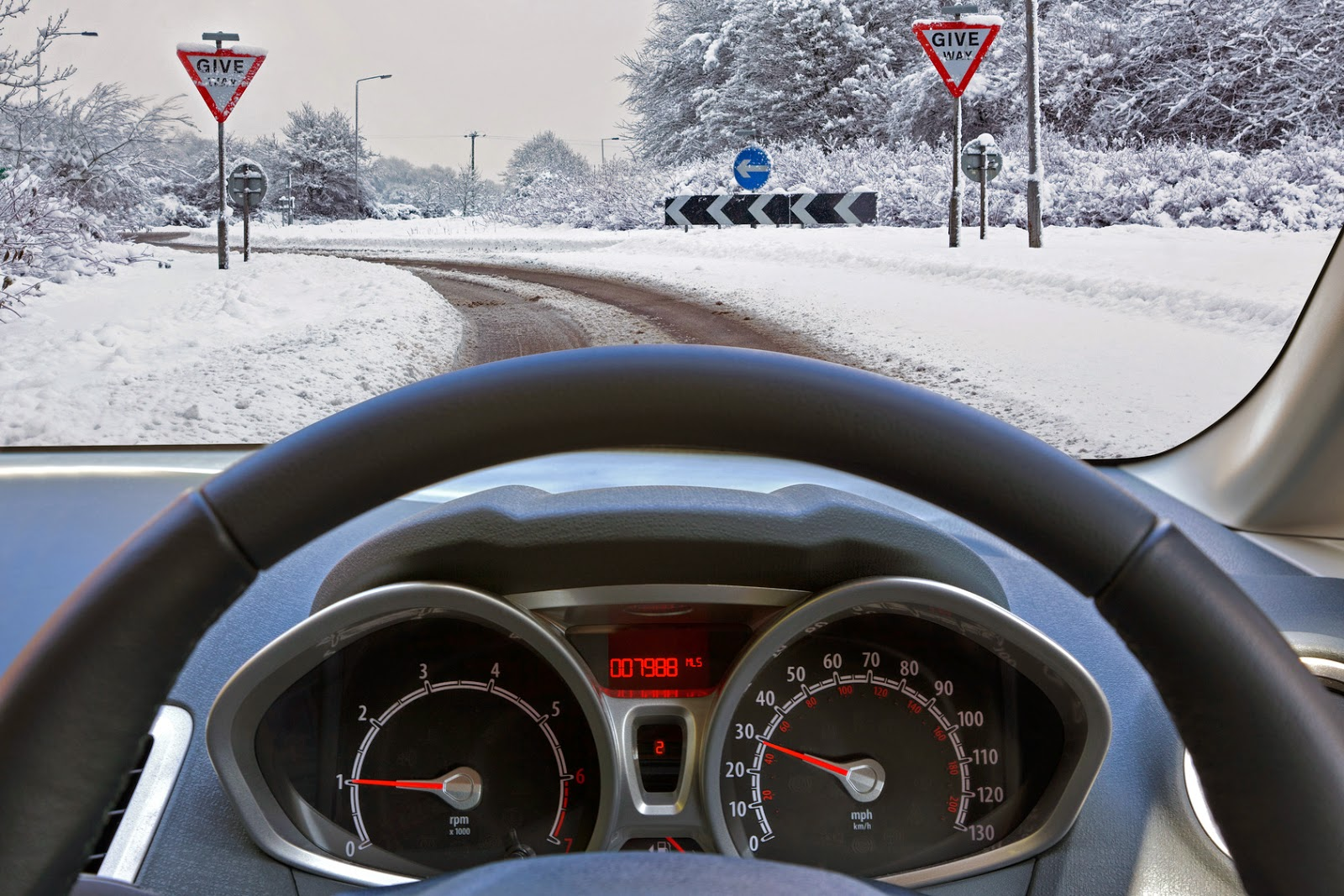 Driving Tips for a Safe Winter