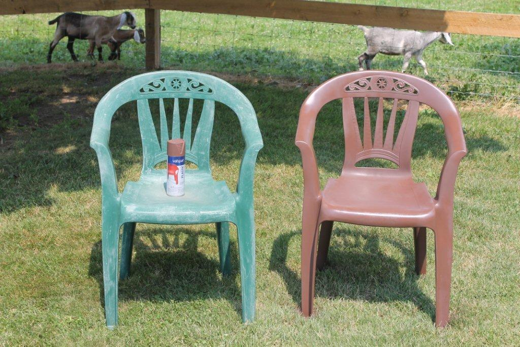 Can you spray paint plastic chairs spray painted plastic outdoor chairs update one year later Painting plastic garden furniture