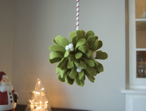 apartment+therapy+felt+mistletoe+pomander+tutorial Christmas DIY Felt Decorations For Your Home