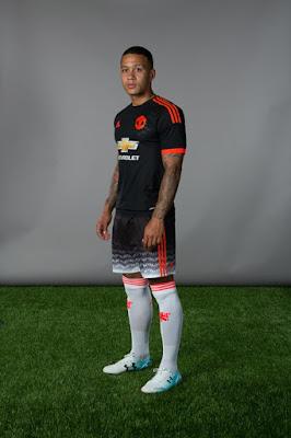 Manchester United Resmi Rilis Jersey Ketiga