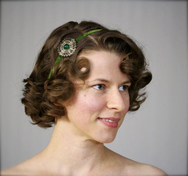Antique velvet ribbon headband in moss green