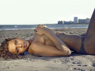 Samantha Carrie Topless Bikini