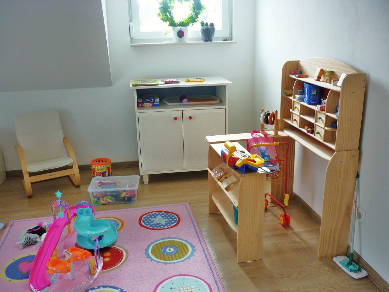 haus sauber halten nanny mania du schlpfst in die rolle der hausfrau und musst das haus sauber. Black Bedroom Furniture Sets. Home Design Ideas